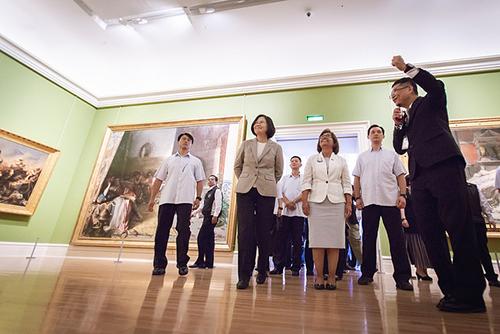 總統蔡英文陪同馬紹爾群島共和國總統海妮參訪「奇美博物館」