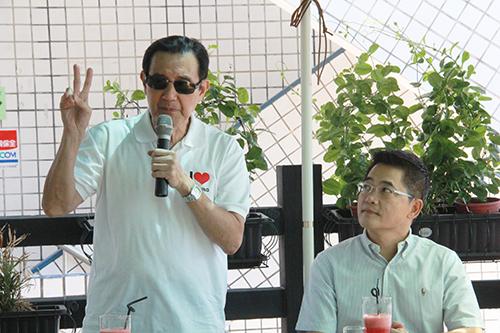 前總統馬英九視察台東縣漁港設施及發展 肯定台東縣政