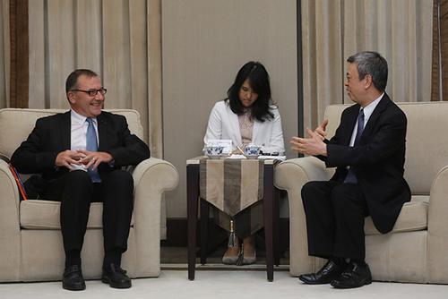 副總統陳建仁接見台法科技學術慶典訪賓