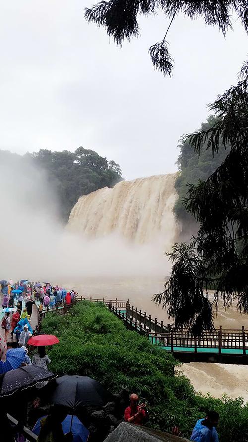 黃果樹大瀑布(張汶寧攝)