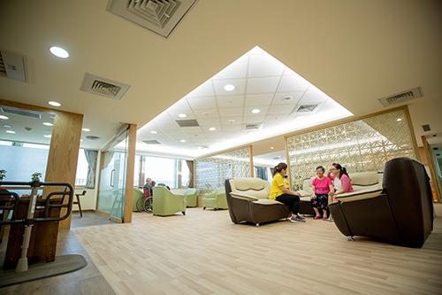 「力麗失智症照護特區」空間規畫精心設計無障礙空間。(記者陶煥昌翻攝)