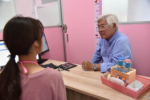 雲林縣長至雲林抽血站探視捐血民眾
