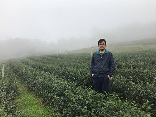 苗栗縣青年戀鄉回流種茶 初試啼聲即獲獎