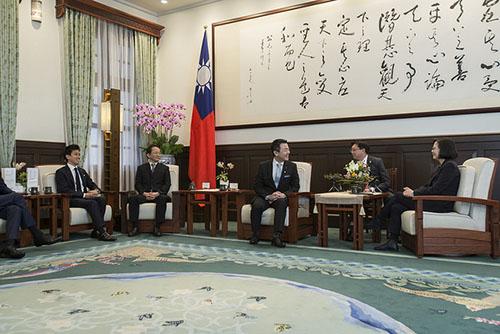 總統蔡英文接見日本「自由民主黨青年局」局長