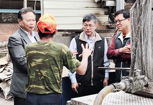 台中市農業局長蔡精強視察廚餘養豬場