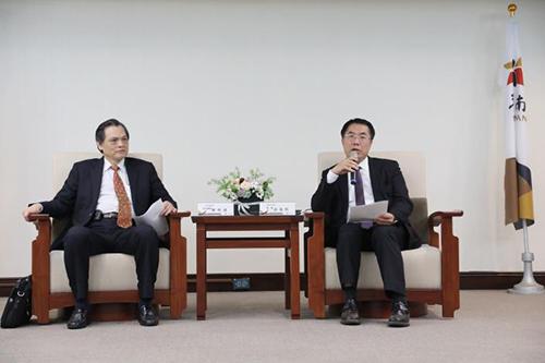 陸委會主委陳明通拜會台南市長黃偉哲 強化溝通合作