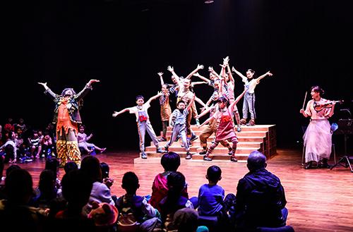 雲門家庭音樂會,隨著音樂腳步展開身體冒險。(照片提供.雲門劇場)