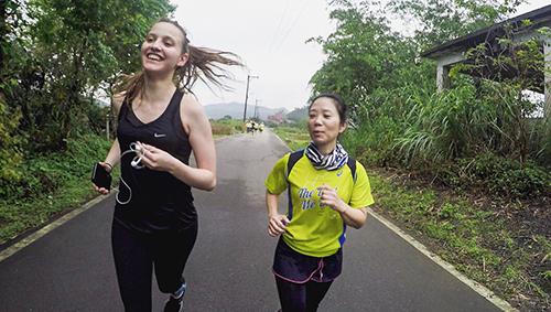 新北貢寮小鎮Book路跑 英國人也來一起跑