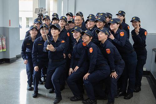 總統蔡英文:新式警察制服全面換裝