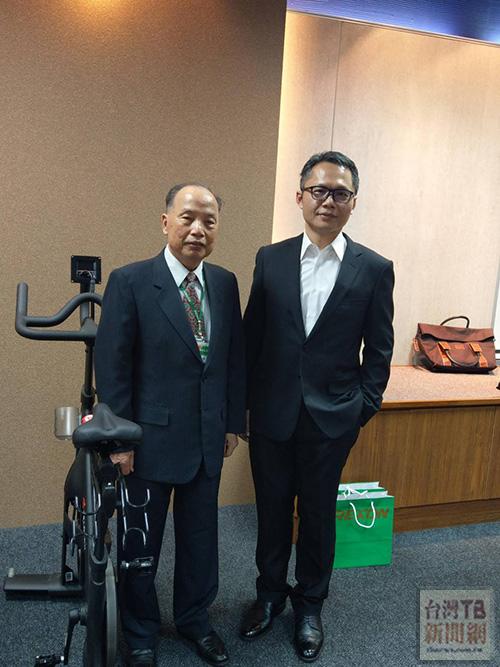 力山董事長王坤復(左)總經理王冠祥(右)
