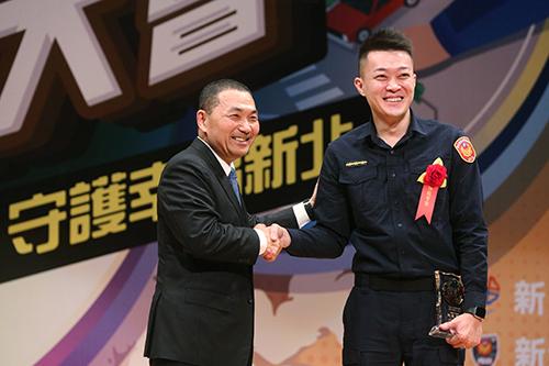 新北市長侯友宜:團結一心打擊犯罪