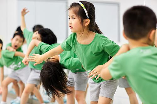擁有思考力,創造力,社群力的孩子,即使面對未來世界的劇烈轉變,也能保有勇於挑戰,適應困難,解決問題的本質。(雲門教室提供)