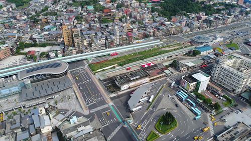 基隆城際轉運站在舊站與新站中間。(文/李欣靜 圖/基隆市政府提供)