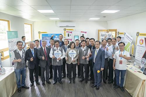 總統蔡英文盼產業發展創新升級 邁向繁榮與成功