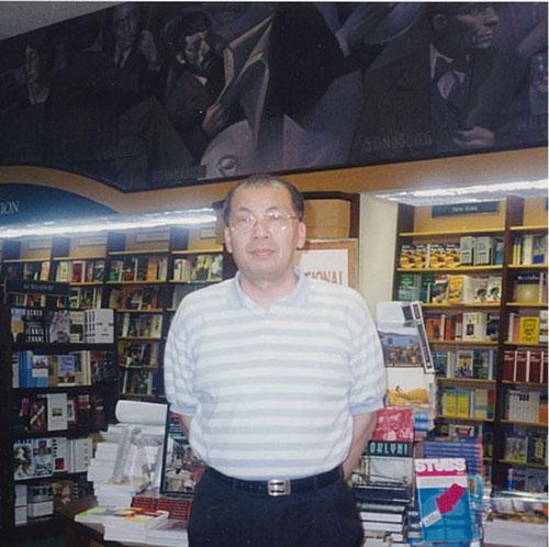 陳天授(台北城市大學榮譽教授)