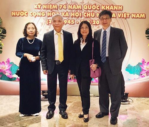 兆豐銀行深耕新南向有成,由蕭玉美副總經理(右二)帶隊出席越南國慶酒會,
