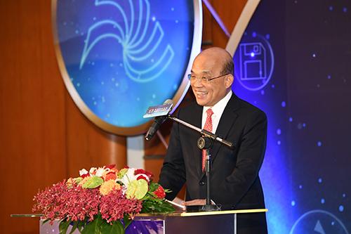 行政院長蘇貞昌:加速國家檔案數位化