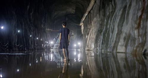 林育榮,〈海況六〉,2015,單頻道錄像,8分58秒。作品提供:藝術家。