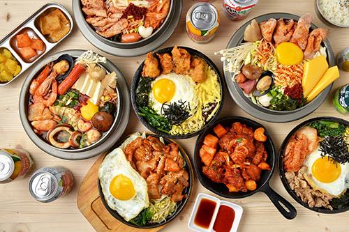 超熱門美食韓石食堂,進駐Global Mall新左營車站,往來的遊客也可吃到美味韓式的好味道。