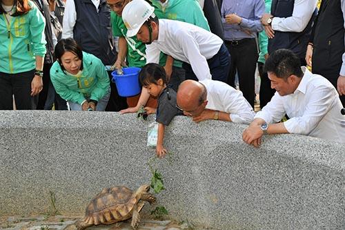 新竹市立動物園改頭換面 行政院長蘇貞昌:值得一看!
