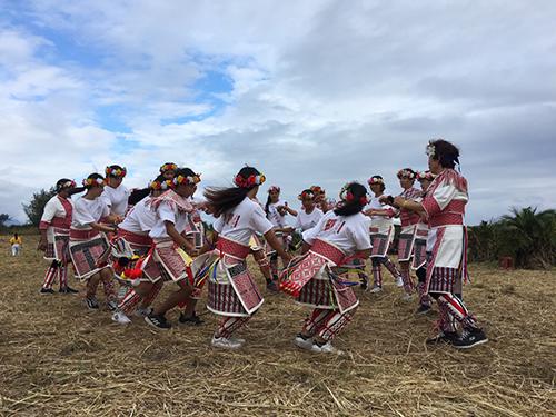 東部馬卡道族受邀阿米斯音樂節服裝驚豔全場