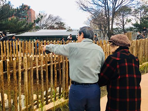 逛你百遍也不厭倦!百歲長輩團來新竹動物園找回憶