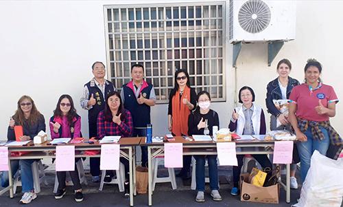 台東東區扶輪社已亥年歲末寒冬送暖活動 發放物資
