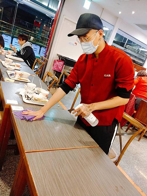 Global Mall新左營車站打造安心商場,公共區域、餐飲區強化消毒頻率。