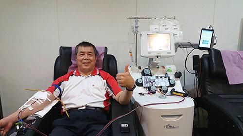 抗疫不能血荒 捐血英雄徐勝龍號召挽起袖子捐熱血