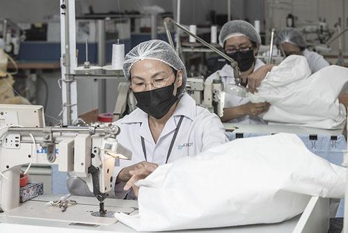 防護衣隔離衣國家隊成形 總統蔡英文:與民間合作
