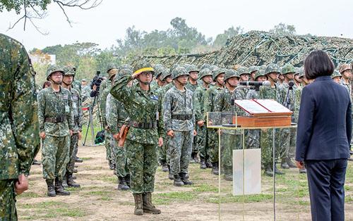 總統蔡英文肯定國軍戮力完成防疫作戰任務