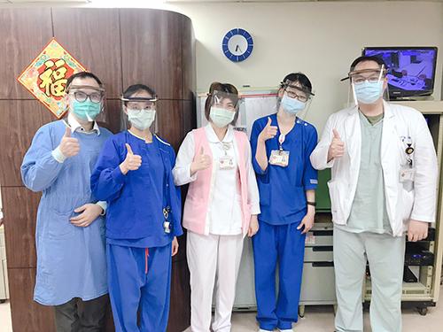 福和國中老師捐贈面罩給第一線醫護人員(圖片來源 三軍總醫院官方臉書)