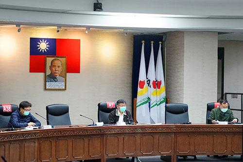 台北市長柯文哲:公營市場及批發市場從業人員須配戴口罩