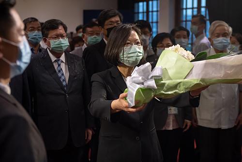 總統蔡英文:繼續推動客家文化 讓鍾肇政先生的精神永續