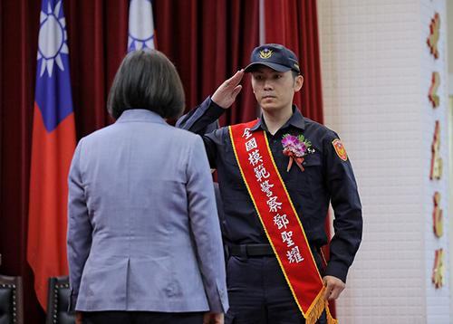 總統出席「109年警察節慶祝大會」 向全體警察同仁致謝