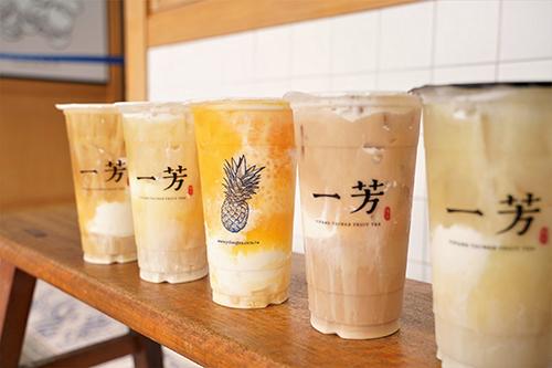 一芳x小美雪凍冰淇淋飲,豪氣加入超過整盒小美小黃杯的「小美頂級香草冰淇淋」 豐富了飲品風味層次 齒頰留香 甜蜜不甜膩