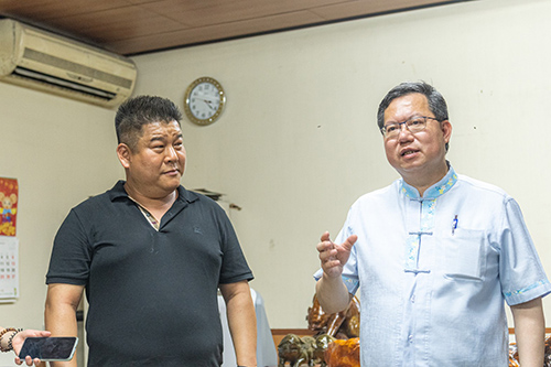 桃園市長鄭文燦參訪程豐公司廢玻璃回收再利用情形