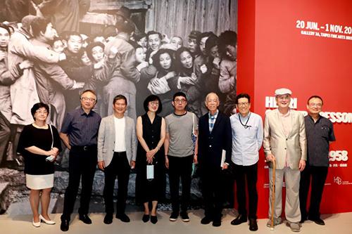 文化部長李永得參訪北美館展覽 關注現當代藝術發展