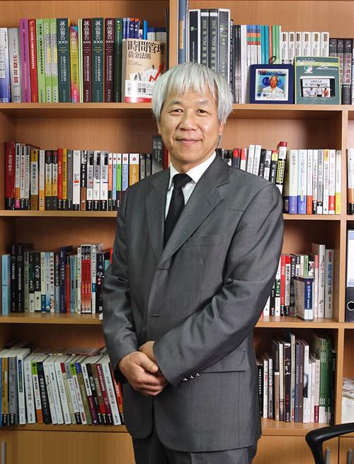 文化部第44屆金鼎獎特別貢獻獎由城邦出版集團董事長何飛鵬獲得。(何飛鵬先生提供)