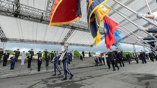 總統蔡英文偕同副總統賴清德出席「李前總統登輝先生奉安禮拜」