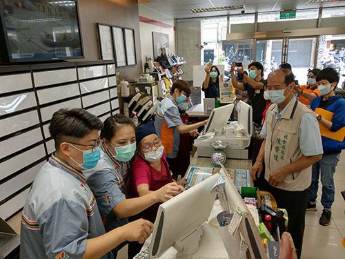 台南市首家「幾點了咖啡館」開張 和善溫暖失智社區