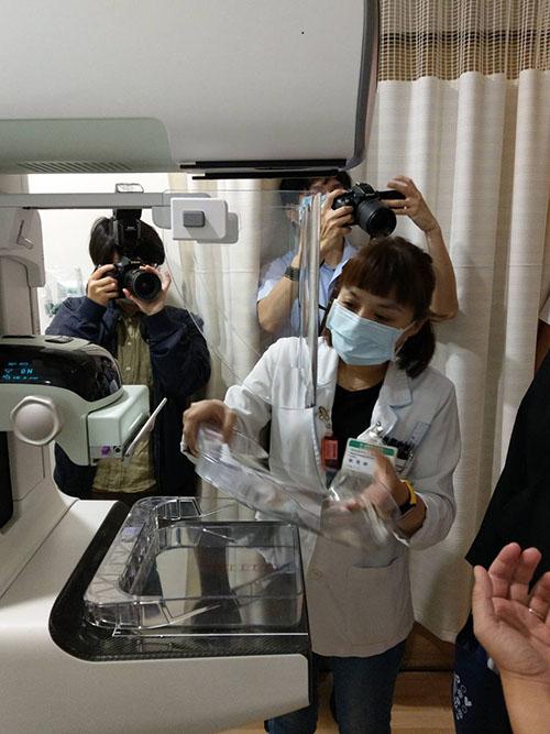 亞東醫院推出一站式乳房整合門診及3D乳房斷層攝影