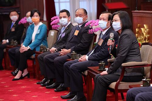 總統蔡英文期勉優良商人代表與政府攜手合作 讓台灣脫穎而出