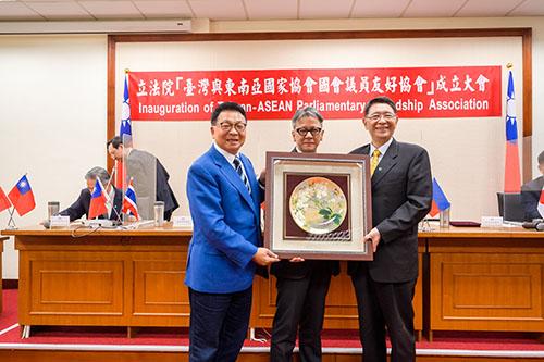立法院秘書長林志嘉出席「台灣與東協國會議員友好協會」成立大會
