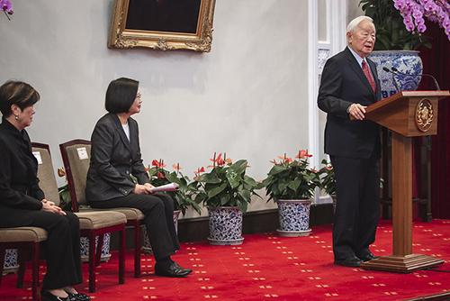 總統蔡英文宣布台積電創辦人張忠謀擔任APEC經濟領袖會議我國領袖代表