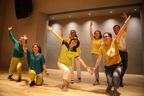 屏東總圖打造樂齡學習新舞台 高年級偶像練習生活力全開