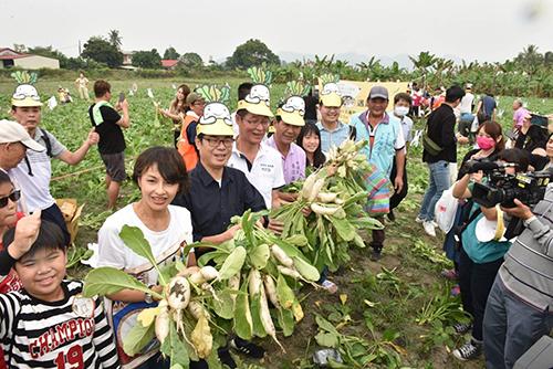 白玉蘿蔔季10年有成 高雄市長陳其邁認股與民同歡