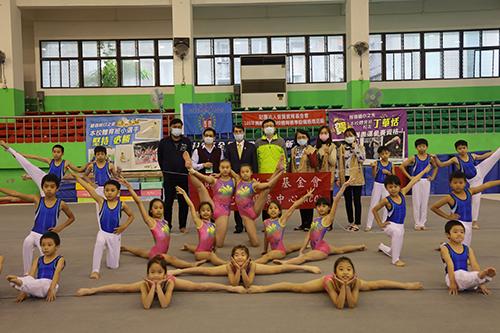 普賢教育基金會善心捐贈百萬 支持新北體育發展