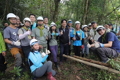 新竹參訪石峎手作步道 副總統呼籲國人一起來推廣運動