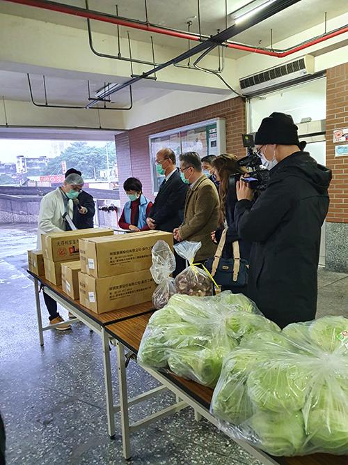 學校供餐採用國產食材 教育部專案小組到校訪視